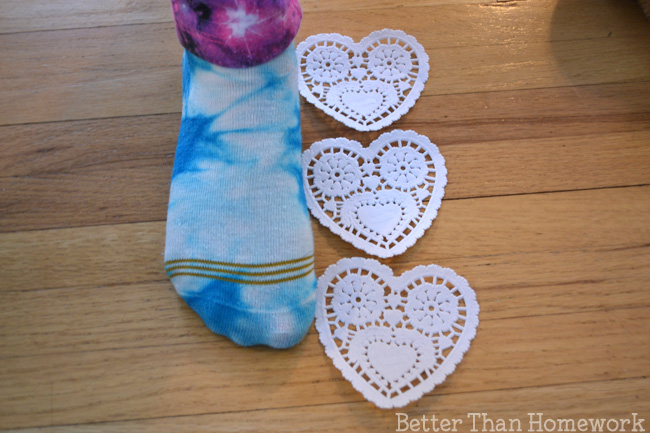 Use heart doilies to practice measuring with nonstandard units with this fun Valentine's Day math activity.